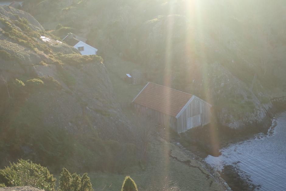 Råkeneset i sol