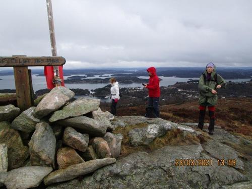 Tirsdagsgruppa på tur til Spjeldsfjellet 23.03.2021