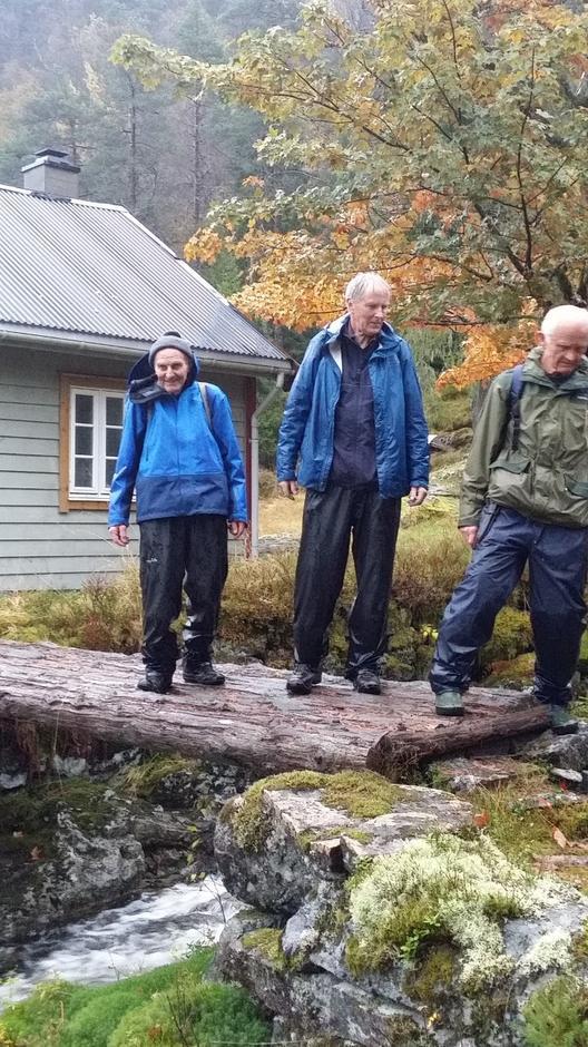 Olav Eikemo, Ivar Eidsheim og Vidar Lehmann ved Urdalsetra.