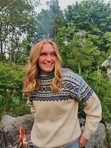 Liva sin favoritthytte er Litle Aurdal. Hun har» vokst opp ute» både sommer som vinter. Padling og klatring og gjøres som turleder i DNTung og på egenhånd.