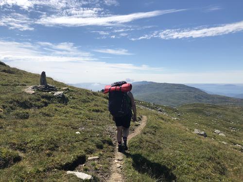 Fra en magisk sommertur i Etnefjellene, med sol, varme, torden og regn.Simlebu-Sandvass-BlomstølenFOR en tur!