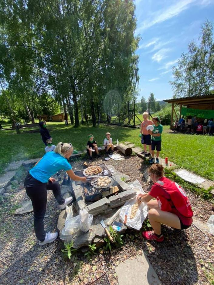 Matlaging utendørs er en viktig del av Friluftsskolen.