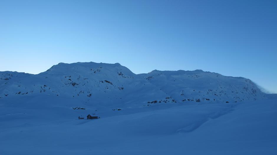 Hytta ligg rett under Fuglafjell.