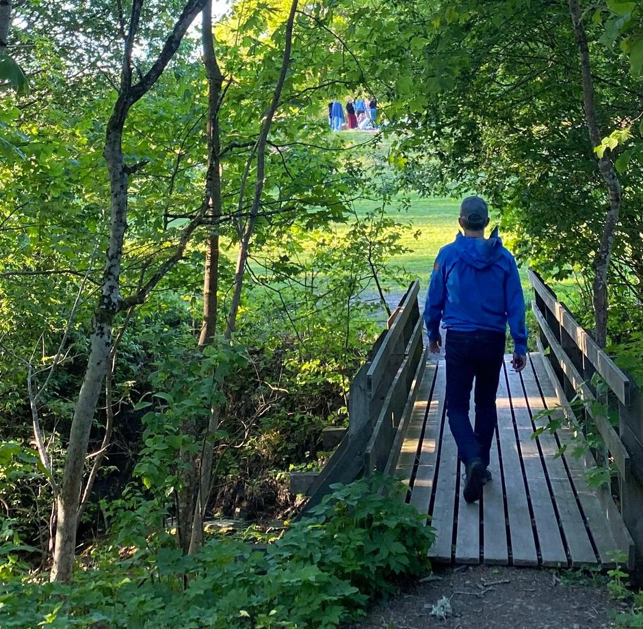 Den tre kilometer lange Breivollrunden er fin å gå for hele familien, og dere finner spennende informasjon undervegs.