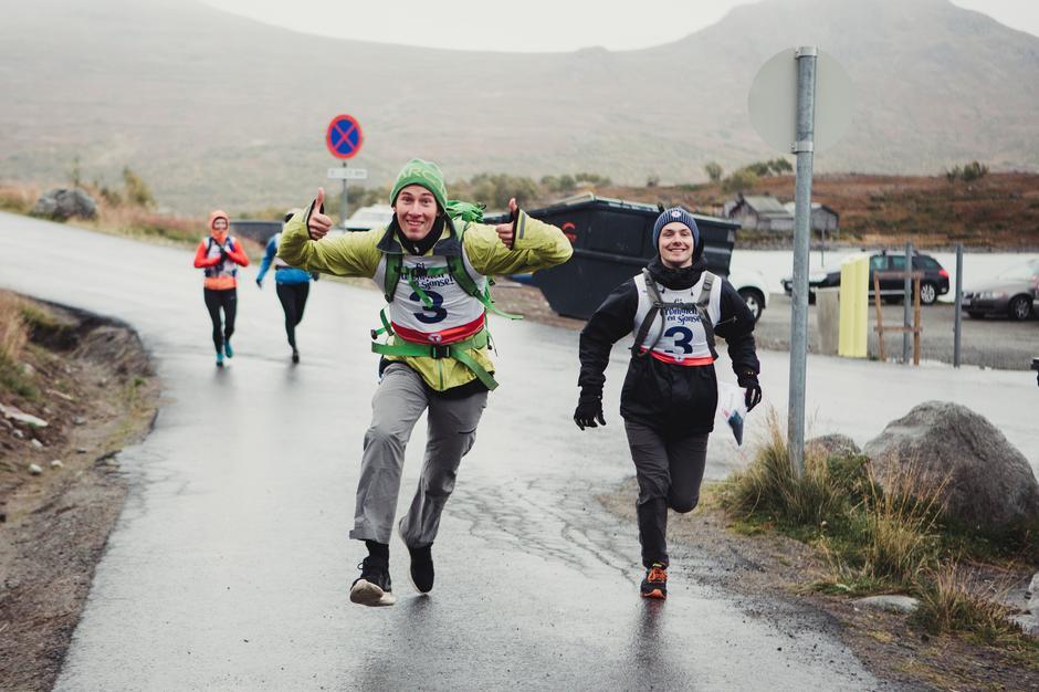 Storstilt innsats av deltakerne på multisporten.