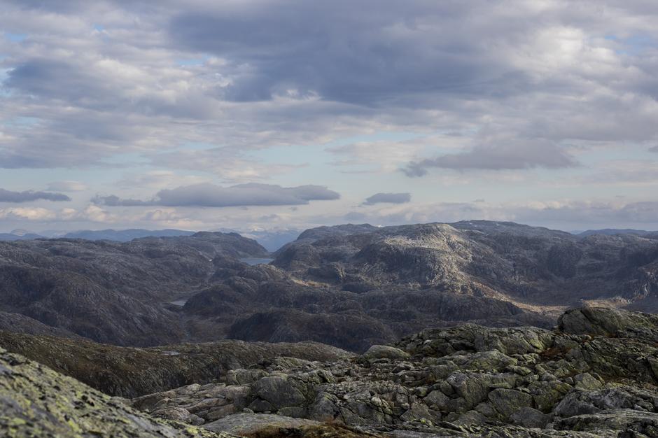 Utsikt fra toppen av Eldhusfjellet i Stølsheimen.