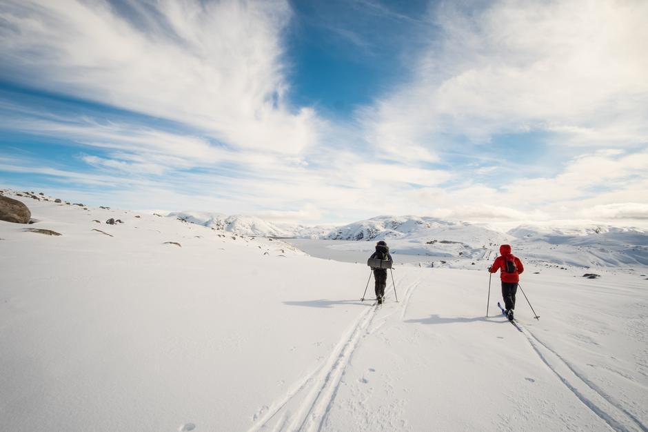 Fra Lyngsheia fredag 13. mars. Strålende forhold for skiturer i høyden . For denne gang er de disse forbeholdt lokale turgåere.