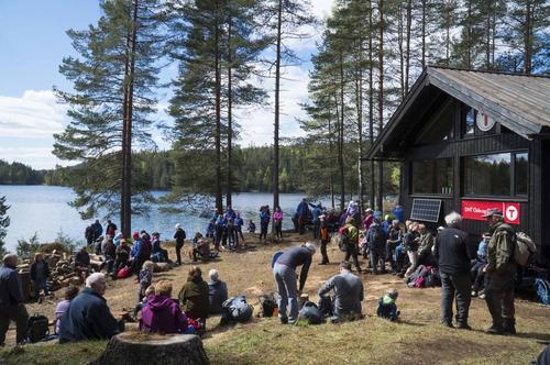 500 møtte da Huldreheim åpnet 12. mai