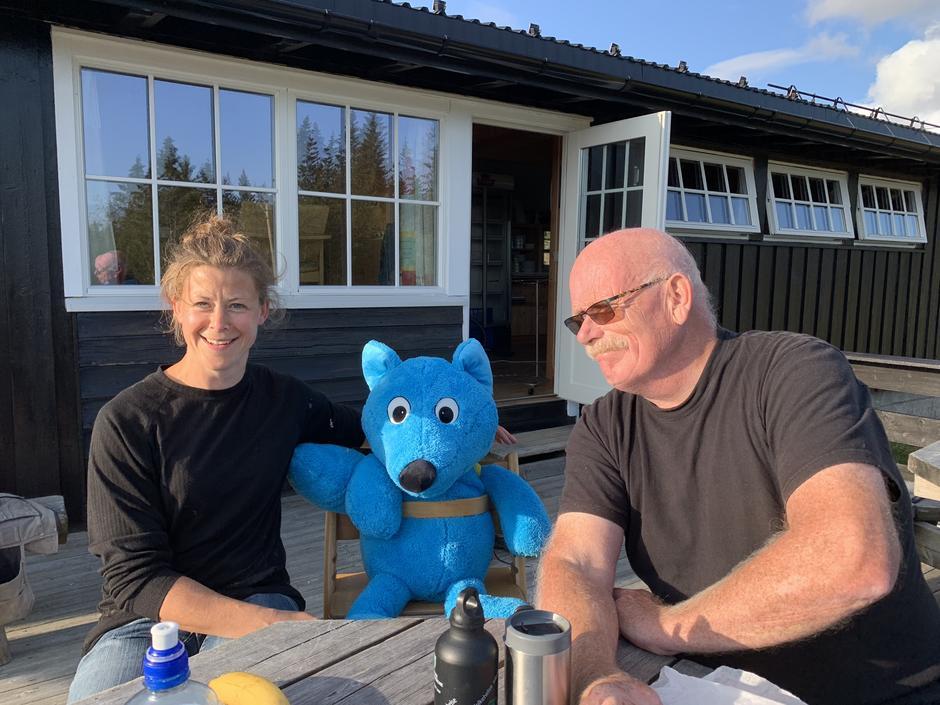 Turbo er kjempeglad - sammen med Ingeborg Nordlund og Pål Jørgensen