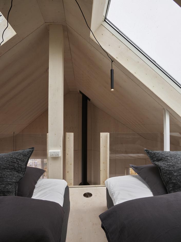To gode madrasser på den flygende hemsen.