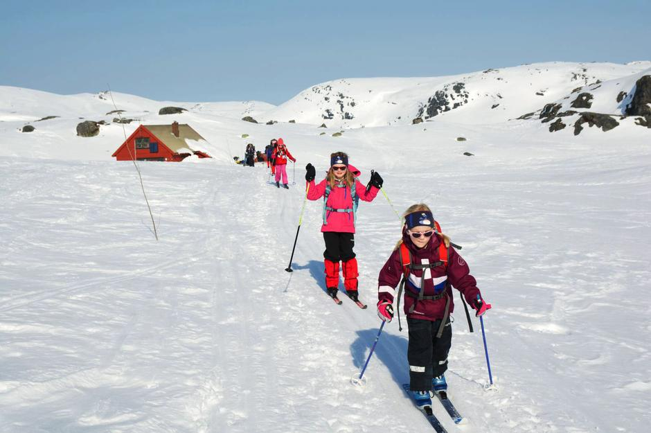 SKIGLEDE. Ta barna med på skitur langs kvistet løype inn til en turistforeningshytte og gi dem et minne for livet.