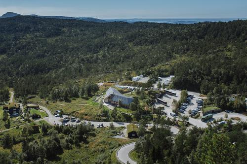 Vurderer å selge Preikestolen fjellstue