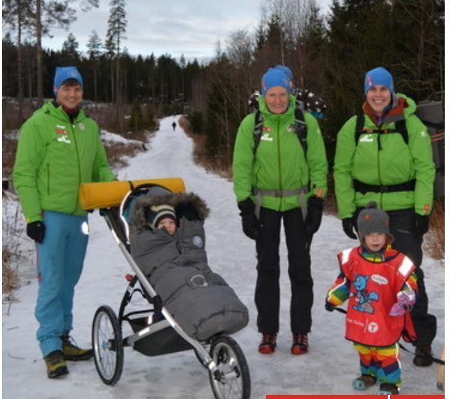 Ønsker du å være aktiv i Barnas Turlag Ringerike, så er vi igang nå med å etablere en ny frivillig gruppe. Her er tre fornøyde, frivvillige foreldre og to fornøyde frivilligbarn på vei ut på tur!