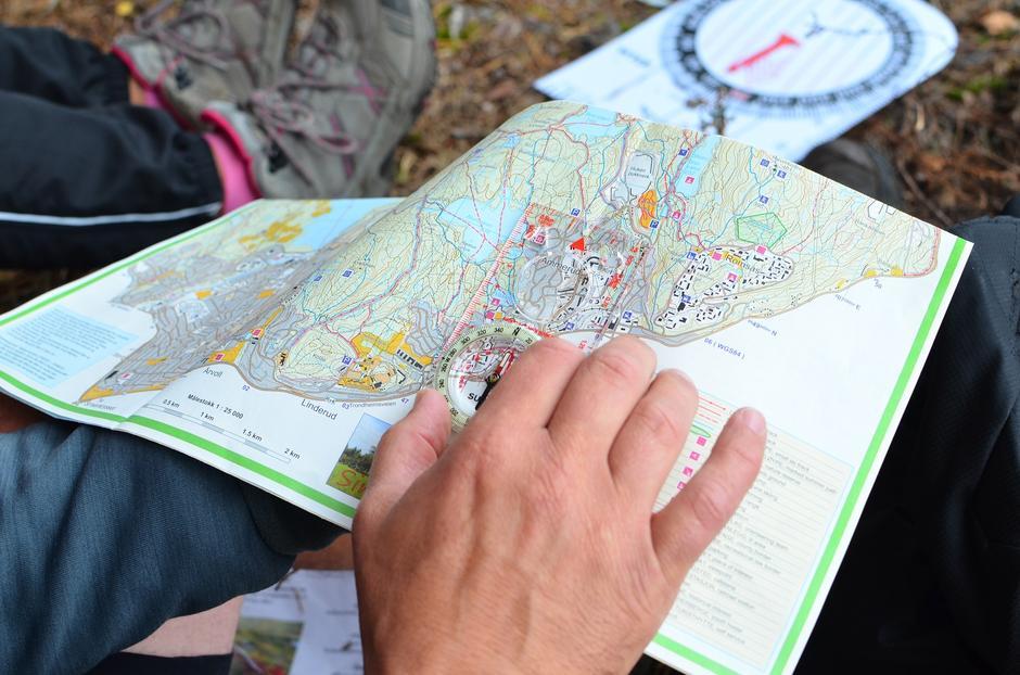 Kart og kompass skal alltid være med og brukes når du er på tur.