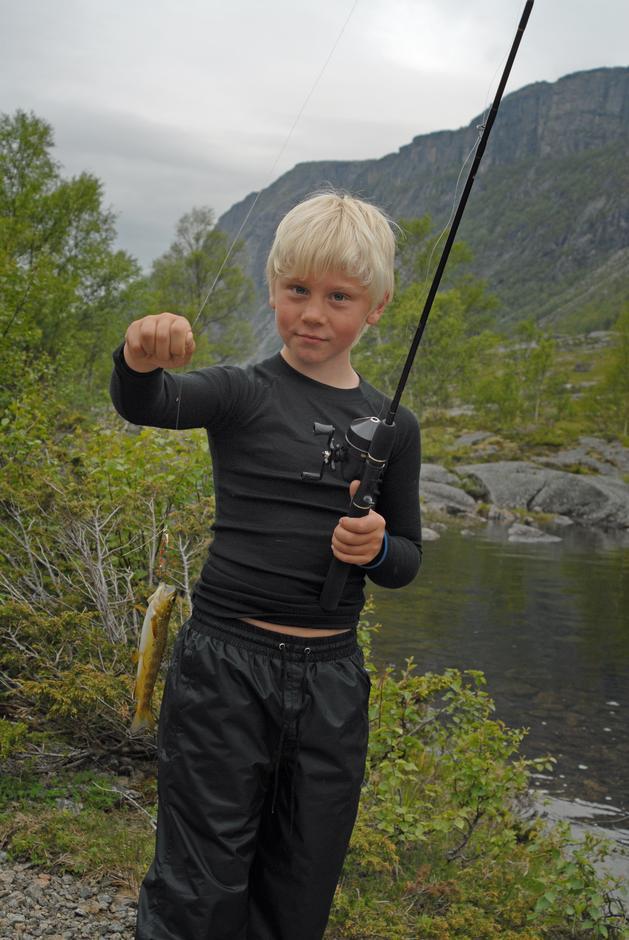 Stolt fisker Nikolai Kaarstad fikk turens eneste fisk.