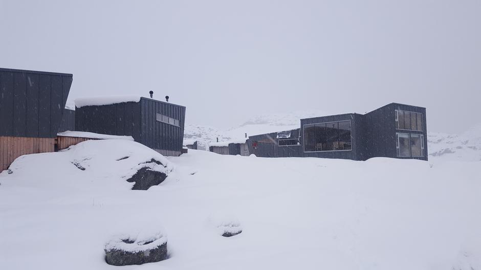 16. mars. Rundt Skåpet ligger det bortimot 50cm snø.