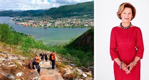 Dronning Sonja kommer til åpninga av Helgelandstrappa