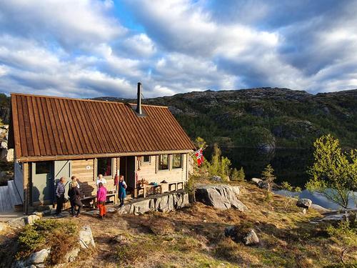 Ny hytte i Kalvedalen åpnet