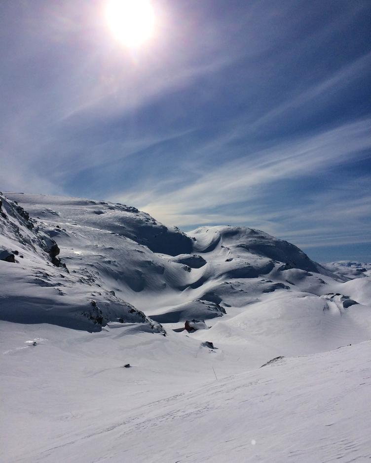 Høgabu (900 moh.).
