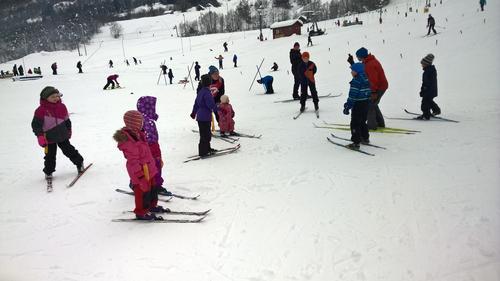 Godt oppmøte på KOM DEG UT- dagen på Sogn skisenter