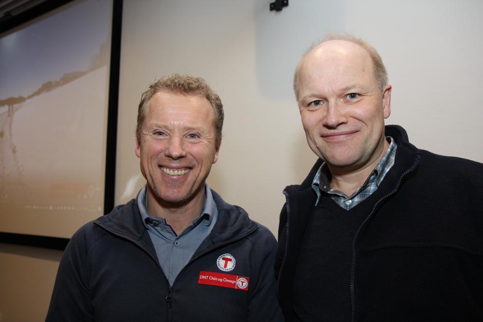 Henning Wikborg og leder for Lørenskog Turlag Vidar Thorsvik