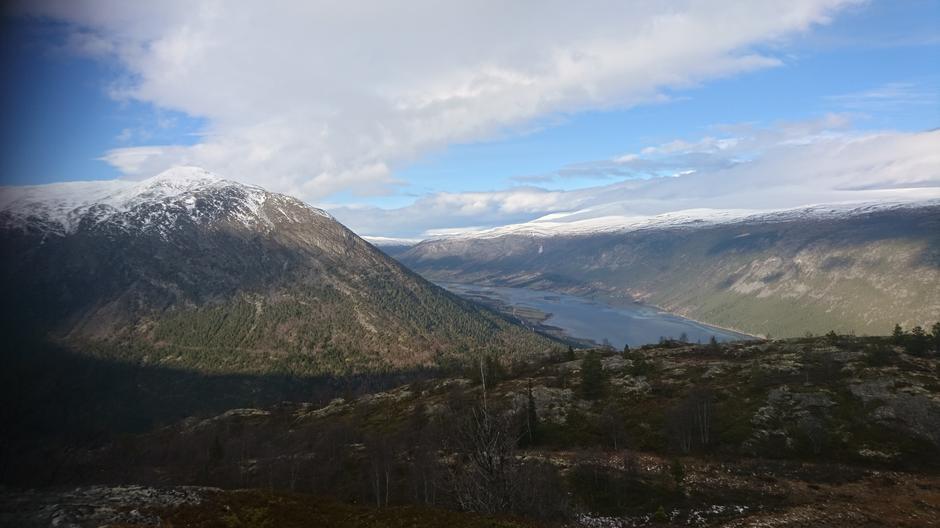Flott utsikt på vei opp til Læshøe