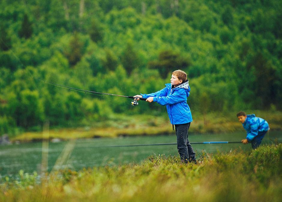 Fisking er en super aktivitet for både store og små!