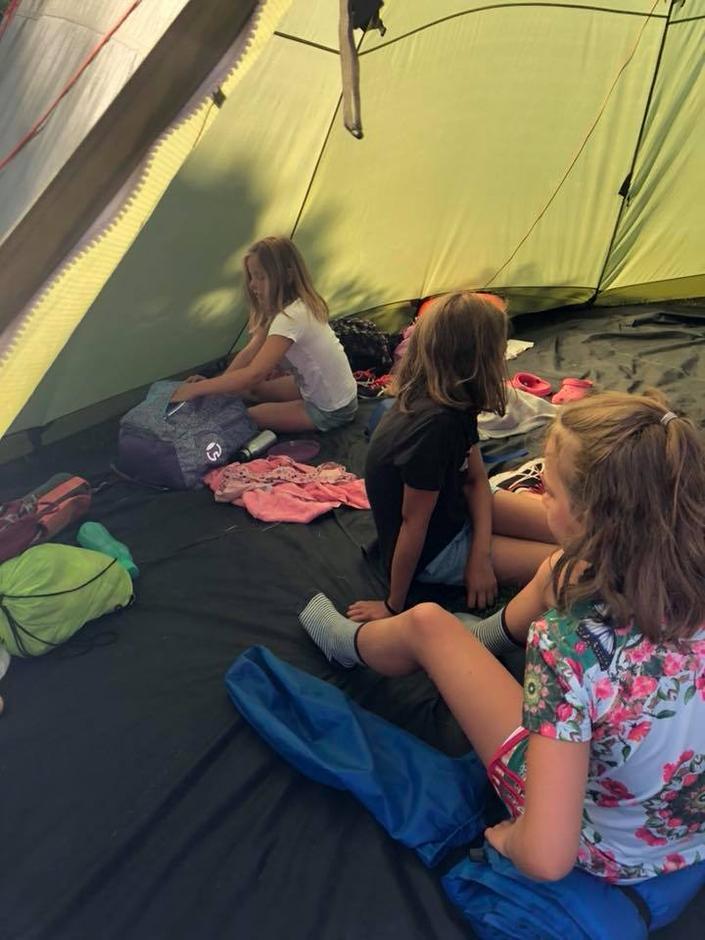 Jentene camper