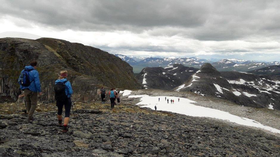 Fra toppen Fruhøtta og Pekhøtta.