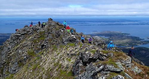 Tur til toppen av Tustna-Stabben og Inderbergsalen