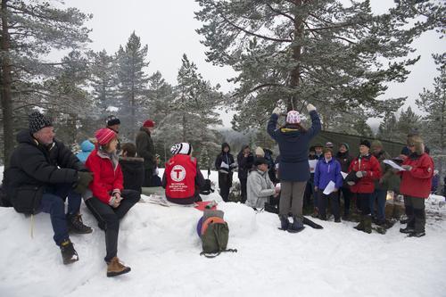 I år som i fjor kommer Kosak og gleder oss med vårsang på Vårjevndøgnkollen søndag ettermiddag.