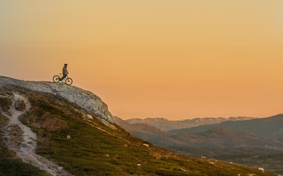 O`HJUL MED DIN GLEDE: Gjendeguiden er frelst på fjellturer på to hjul - er du klar for en dag eller to med full rulle?