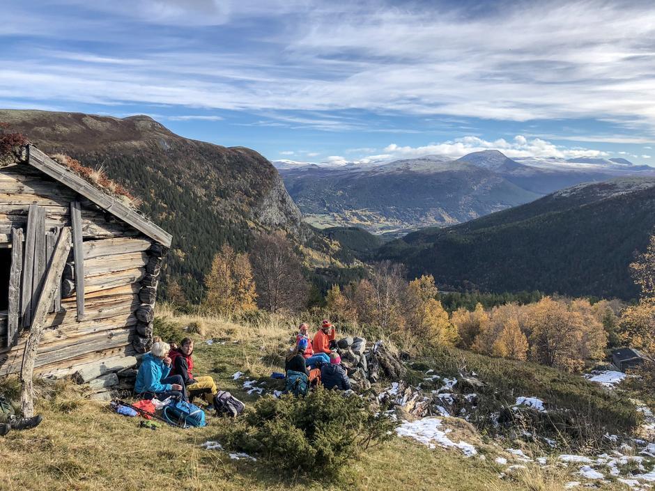 Første pause med utsikt til Dovre og Rondane.
