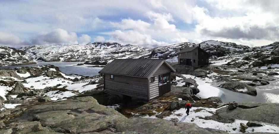 Lørdag 1.6: Gullhorgabu i Bergsdalen
