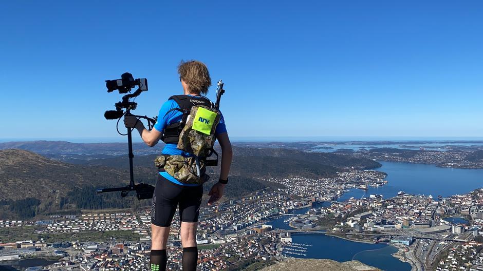 Petter Goga på toppen av Ulriken.
