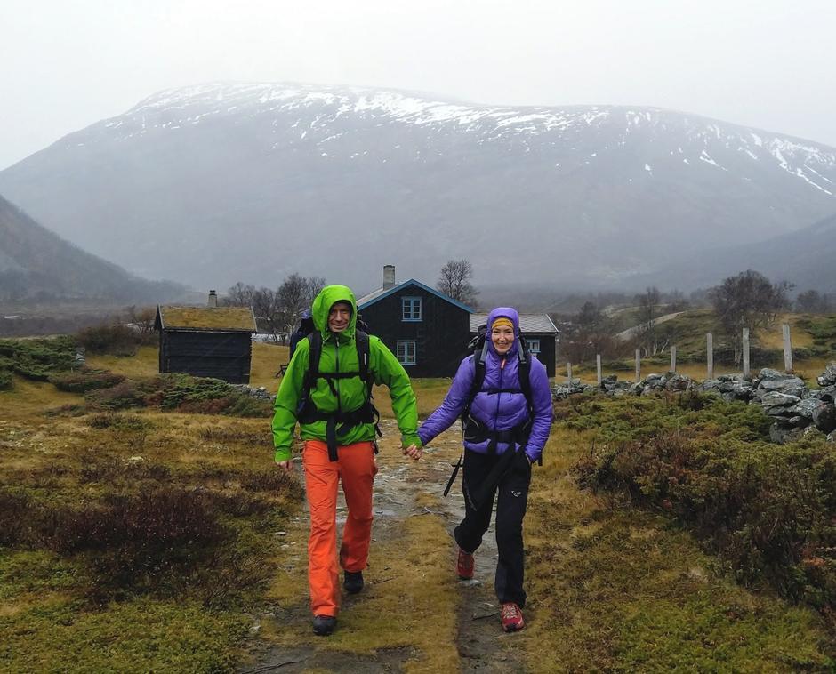 Erling og Kristin, tilsyn på Grøvudalshytta, er fornøyd etter en god dugnadshelg!