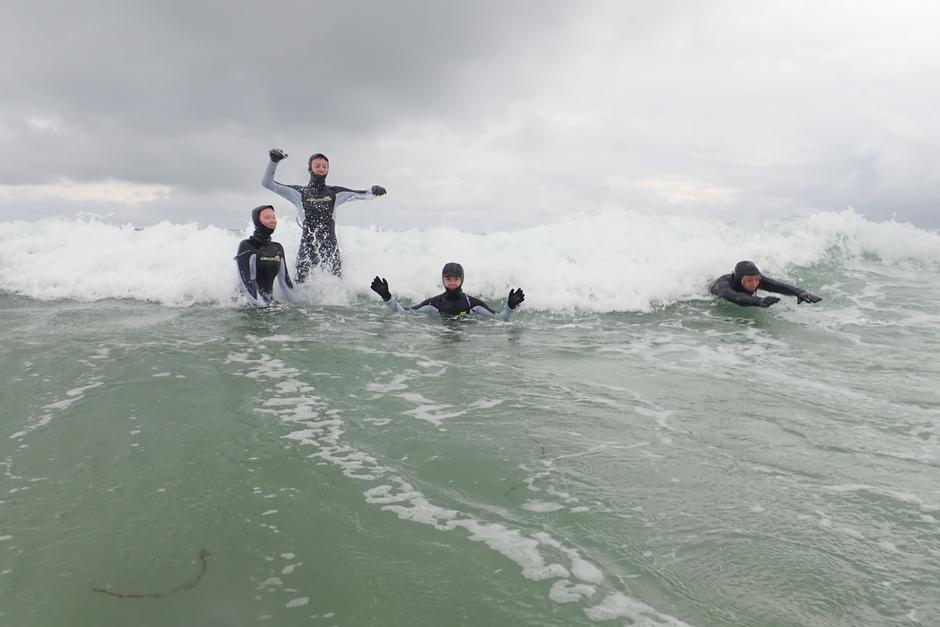 Bodysurfer bølgen.