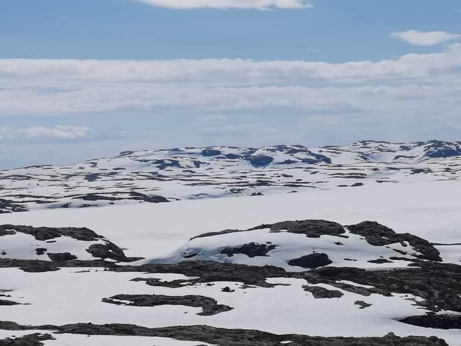 Fortsatt mye snø øst for Blåsjø.