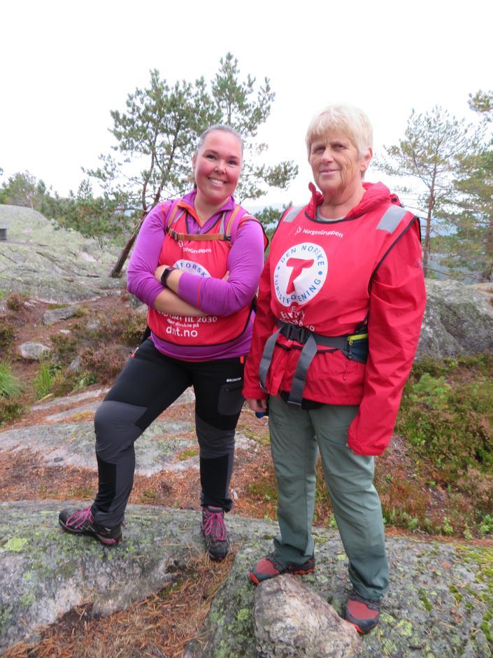 Turleiarane frå høgre Mary Helena Lie og Silje Haugen.