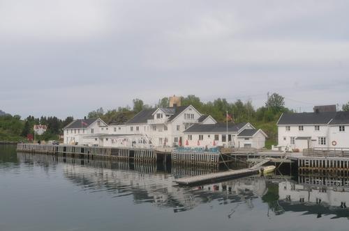 Det historiske fiskeværet Skipnes er godt bevart, og her er det også overnattingsmuligheter.