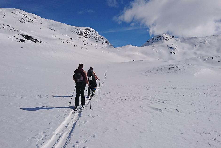 27. April Haukeliseter Fjellstue melder om gode forhold for ski tur og toppturer i område