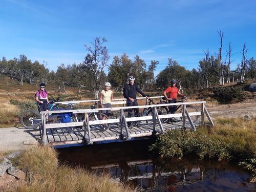 31. august hadde Seniorgruppa dagstur med sykkel og til fots i Langsua nasjonalpark
