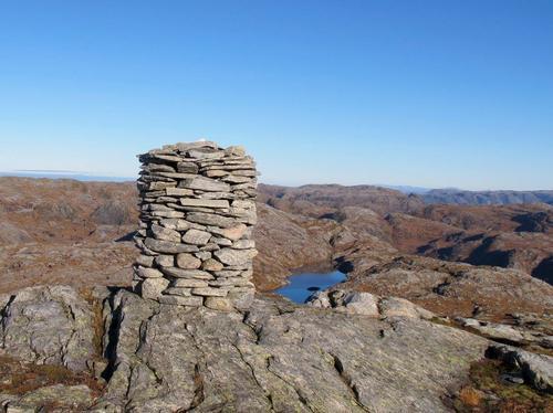 Toppen av Horga 804  moh - midt i smørauga av vakre fjell
