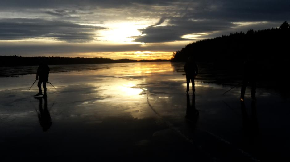 Skøyter i solnedgang