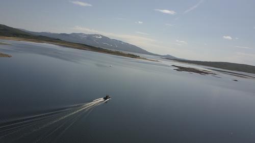 Båtskyss  mellom  Storerikvollen  og  Nedalshytta