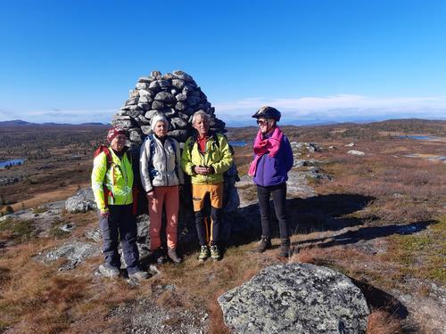 22. september hadde Seniorgruppa sykkel- og fottur Juvikåsen – Tansberghøgde
