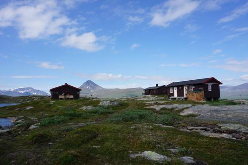 NB: Ingen overnattingsmulighet på hyttene under Monsensendingen