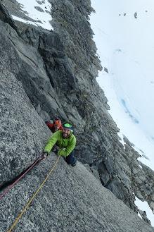Kvaløya er en av Norges beste områder for naturlig sikret klatring. Her fra Storstolpan i 2019.