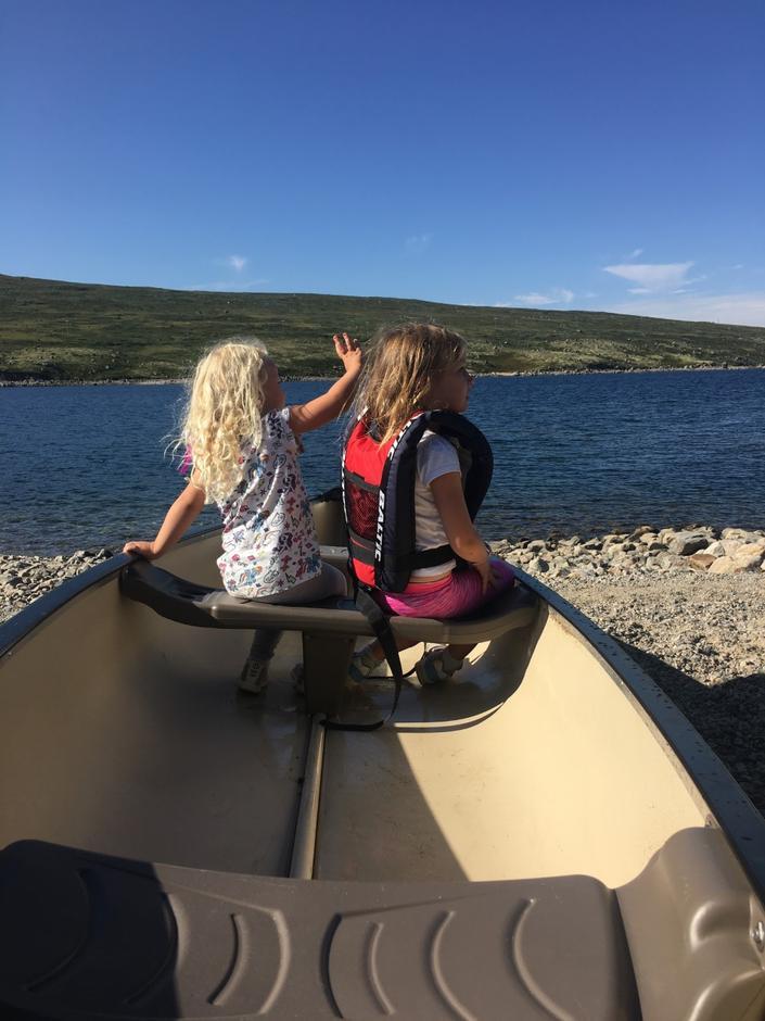 Blide padlere på Kalhovdfjorden.