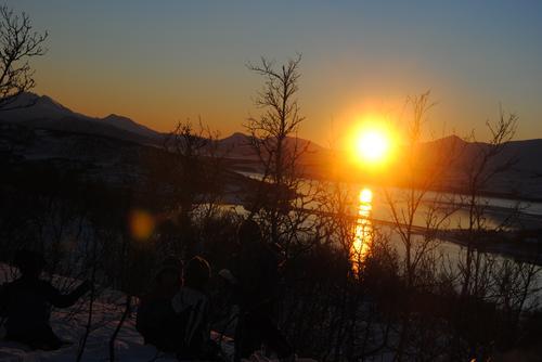 Eidhaugen er det perfekte stedet for å se sola for første gang